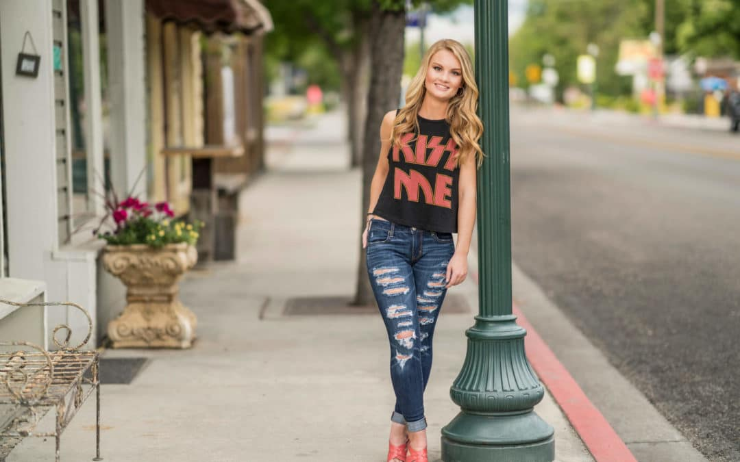 Picture Perfect Clothing for Your Senior Session